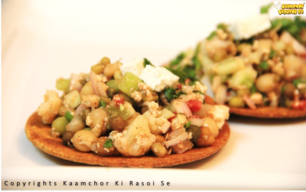 KaamchorKiRasoiSe_MIXED SPROUTS CHAT WITH MASALA BHAKRI_kkrs